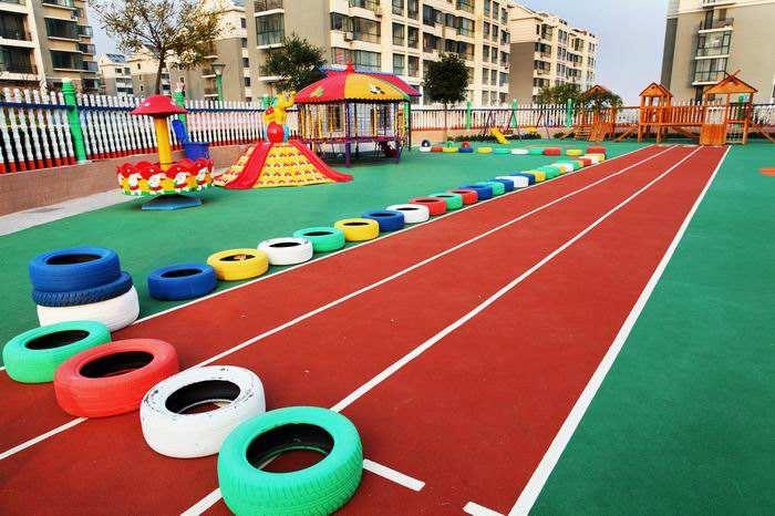 塑胶地坪打造高效安全的儿童跑道